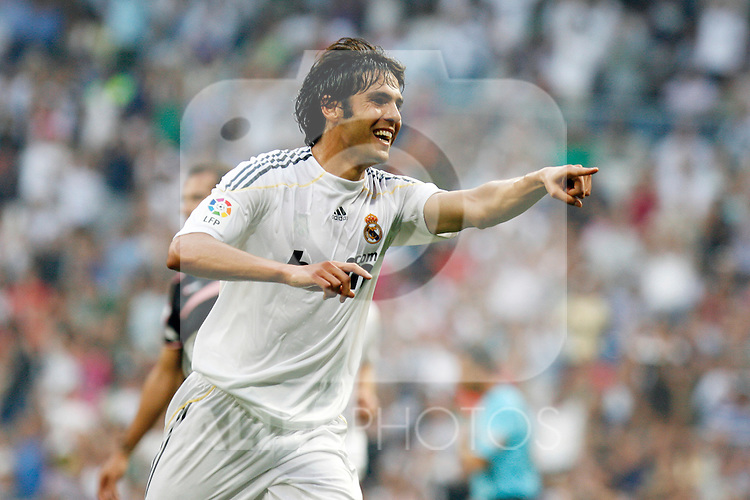 Real Madrid's Kaka celebrates goal during La Liga match.August 29 2009. (ALTERPHOTOS/Acero).