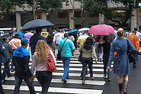 RIO DE JANEIRO-18/07/2012-CLIMA TEMPO NO RIO-Movimentacao em tarde chuvosa no centro do no centro do Rio.Foto:Marcelo Fonseca-Brazil Photo Press