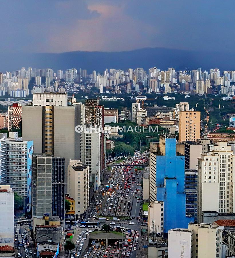 Serra da Cantareira e predios da cidade de Sao Paulo. 2019. Foto de Juca Martins