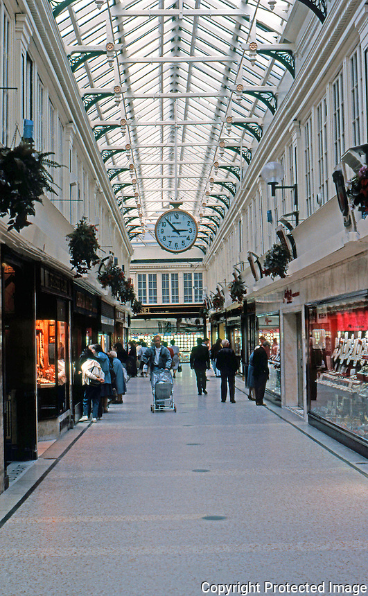 Glasgow: Argyle Arcade, 1827. John Baird. Nearest parallel, a much larger arcade in Providence, R.I.  Hammerbeam roof with iron tie beams--unique! Photo '90.