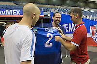 San Antonio, TX - Tuesday, April 14, 2015: The USMNT Trains in preparation for their friendly match vs Mexico at the Alamodome.