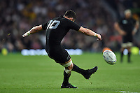 Dan Carter of New Zealand kicks for the posts. Rugby World Cup Final between New Zealand and Australia on October 31, 2015 at Twickenham Stadium in London, England. Photo by: Patrick Khachfe / Onside Images