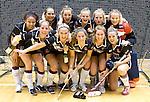 ROTTERDAM - Amsterdam dames na  de  finale zaalhockey om het Nederlands kampioenschap tussen de  vrouwen  van Amsterdam en MOP.  Amsterdam wint met 3-2. ANP KOEN SUYK