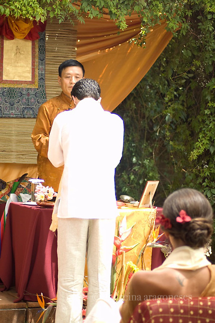 tibetan, wedding, tepoztlan, boda, tibetana, gente, buddhism, budismo, fiesta, party, ritual, bride , groom, happiness, monk, friends, amigos