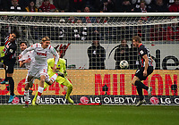 Martin Hinteregger (Eintracht Frankfurt) bekommt den Ball und erzielt das Tor zum 1:0 in der 6. Minute - 18.12.2019: Eintracht Frankfurt vs. 1. FC Koeln, Commerzbank Arena, 16. Spieltag<br /> DISCLAIMER: DFL regulations prohibit any use of photographs as image sequences and/or quasi-video.