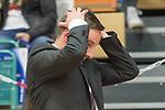 10.03.2018, RASTA Dome 2.0, VECHTA, GER, Beko BBL ProA, RASTA Vechta vs Phoenix Hagen, im Bild<br /> <br /> <br /> Kevin Magdowski (Phoenix Hagen #Headcoach)<br /> nachdenklich<br />  Gestik, Mimik,<br /> <br /> kann nicht hinschauen<br /> <br /> Foto &copy; nordphoto / Kokenge