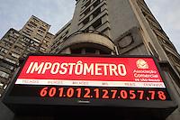 SAO PAULO, SP, 28/05/2012/ IMPOSTOMETRO.  Na madrugada dessa Segunda-feira o Impostometro alcacou a incrivel marca de 600 milhoes de reais. Luiz Guarnieri/ Brazil Photo Press.