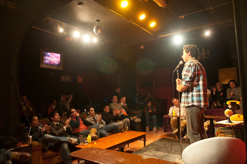 Martin Leon. Stand up comedy in cafe 22, Colonia Condesa, Mexico DF