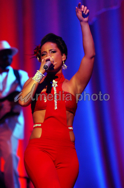16 April 2005 - Washington D.C. - Alicia Keys performs during 'The Diary of Alicia Keys Tour' 2005 held at DAR Constitution Hall. Photo Credit: Laura Farr/AdMedia