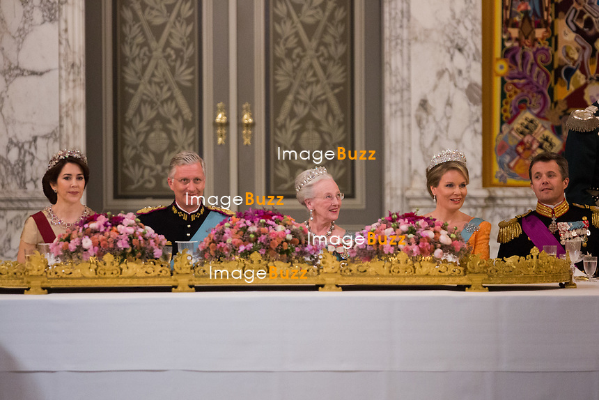 Le roi Philippe de Belgique et la reine Mathilde de Belgique en visite d'Etat au Danemark, sont invit&eacute;s au banquet d'Etat au Palais de Christiansborg, par le prince h&eacute;ritier Joachim de Danemark  la princesse Marie de Danemark, la princesse Mary de Danemark, le prince Frederik de Danemark et la reine Margrethe II de Danemark.<br /> Danemark, Copenhague, 28 mars 2017.<br /> King Philippe of Belgium &amp; Queen Mathilde of Belgium during a State Visit to Copenhagen in Denmark are attending the State Banquet at Christiansborg Palace with Crown Prince Joachim of Denmark,  Princess Marie of Denmark, Princess Mary of Denmark , Prince Frederik of Denmark and Queen Margrethe II of Denmark.<br /> Denmark, Copenhagen, March 28, 2017.