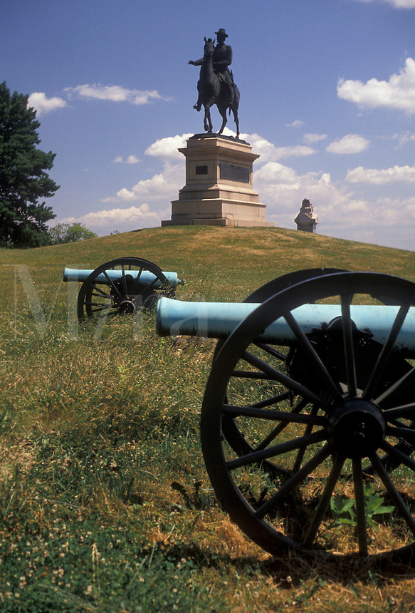 AJ2699, cannons, Gettysburg, battery, battle, Gettysburg Military Park, Pennsylvania, Cannons and monuments displayed at East Cemetery Hill a battlefield site at Gettysburg National Military Park in Gettysburg in the state of Pennsylvania.