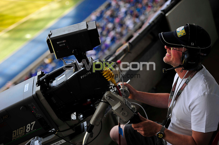 PICTURE BY SIMON WILKINSON/SWPIX.COM - Rugby League - Super League Magic Weekend - Castleford Tigers v Wakefield Wildcats - Eithad Stadium, Manchester, England - 26/05/12 - Sky Sports Cameraman.