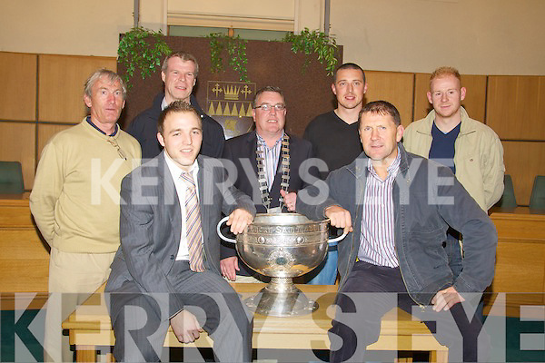 On Wednesday night in the Tralee County Council Buildings Darren O'Sullivan with members iof the Kerry Team and management were rewarded for their acheivement for winning the 2009 All Ireland Final. l-r: Darren O'Sullivan and Jack O'Connor. Back l-r: Ger O'Keeffe (trainer), Diarmuid Murphy, Bobby O'Connell 9Mayor of Kerry), Kieran Donnehy and Seamus Scanlon, ....
