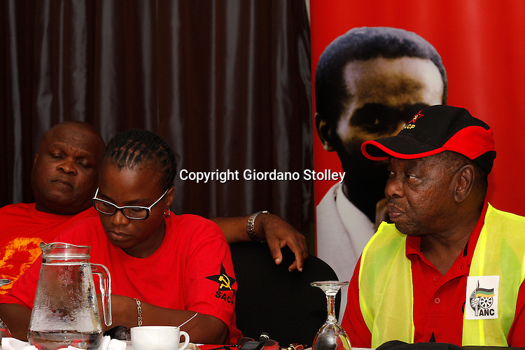 DURBAN - 2 February 2014 - Blade Nzimande (Right), the secretary general of the SA Communist Party speaks at a press conference where the party in KwaZulu-Natal launches its election campaign in support of the ruling African National Congress. Looking on from left are the party's provincial secretary Themba Mthembu and the provincial deputy chairwoman Nomarashiya Caluza.   Picture: Allied Picture Press/APP