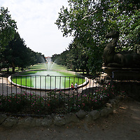 Giardino del Palazzo Borromeo a Cesano Maderno, adibito a parco pubblico...Garden of Boromeo palace in Cesarno Maderno, now used as public park