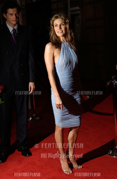 Actress PAIGE TURCO at the 28th Annual People's Choice Awards in Pasadena..13JAN2002..© Paul Smith/Featureflash
