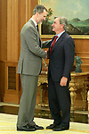 King Felipe VI of Spain (l) receives in audience to the Spanish driver Carlos Sainz winner of the Dakar Rally 2018 at the Zarzuela Palace. April 26,2015. (ALTERPHOTOS/Acero)