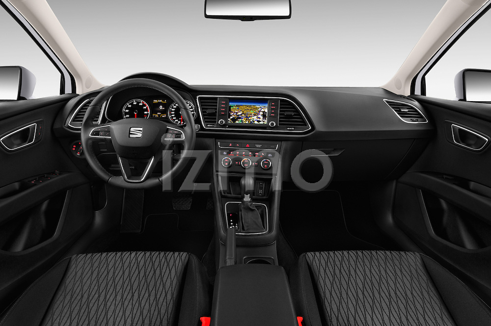 Stock photo of straight dashboard view of 2015 Seat Leon Style 5 Door Hatchback Dashboard