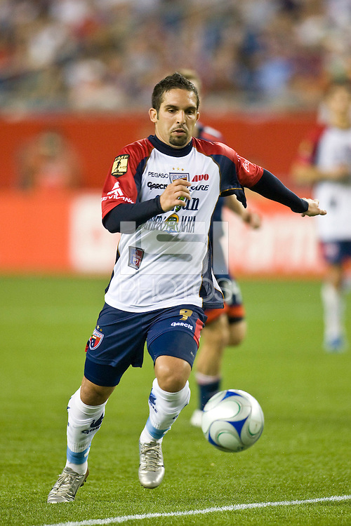 Atlante FC midfielder Giancarlo Maldonado (9). The New England Revolution defeated Atlante FC 1-0 during a SuperLiga semifinal match at Gillette Stadium in Foxborough, MA, on July 30, 2008.
