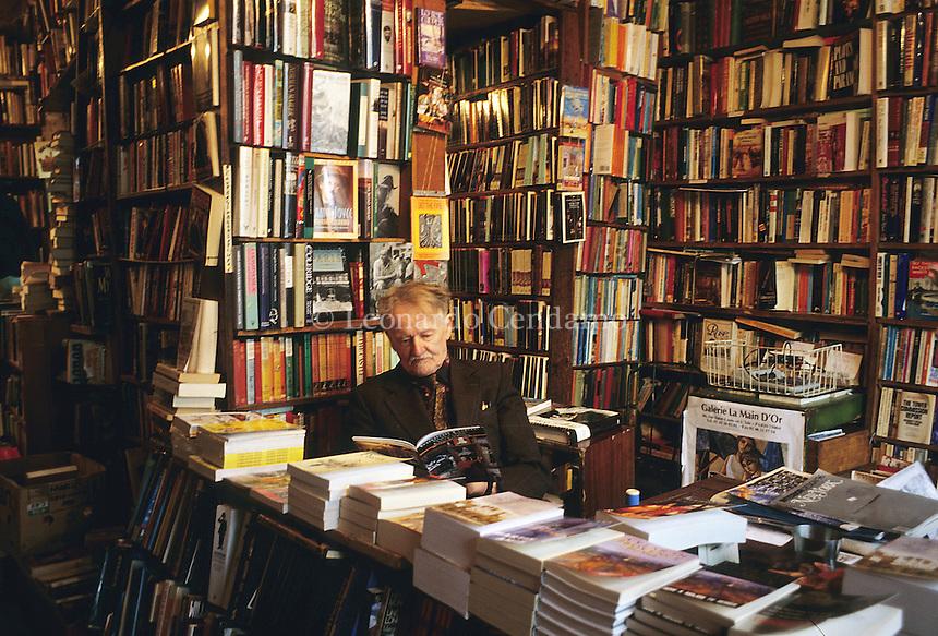 Libreria Shekespeare and Company, Paris, ideata da George Whitman, ora gestita dalla figlia Sylvia, si trova difronte alla Cattedrale di Notre-Dame-  © Leonardo Cendamo