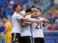FUSSBALL FIFA Confed Cup 2017 Vorrunde in Sotchi 19.06.2017  Australien - Deutschland  JUBEL Deutschland nach dem Tor zum 0-1; Leon GORETZKA, Torschuetze Lars STINDL und Julian BRANDT (v.li.)