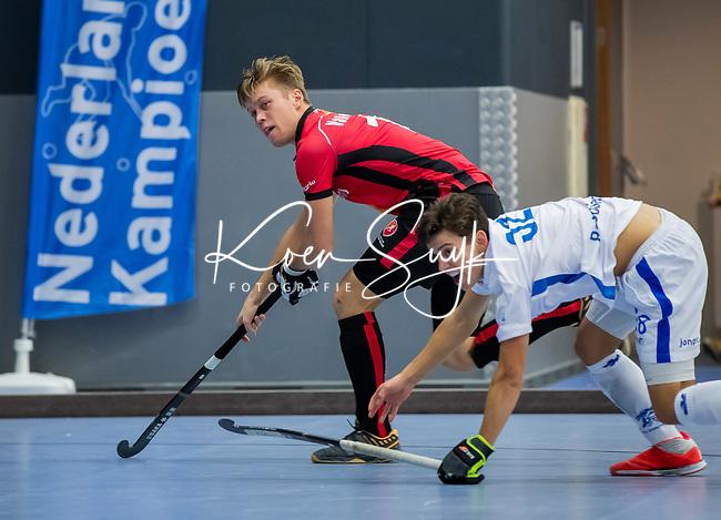 ROTTERDAM  - NK Zaalhockey,   wedstrijd om brons.  heren Oranje Rood- Kampong. OR wint.  Jim van de Venne (Oranje-Rood)        COPYRIGHT KOEN SUYK
