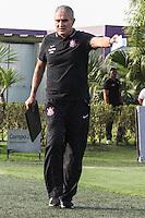 SÃO PAULO, SP, 14.10.2015 - FUTEBOL-CORINTHIANS -  Tite treinador do Corinthians durante sessão de treinamento no Centro de Treinamento Joaquim Grava na região leste de São Paulo nesta quarta-feira, 14. (Foto: Marcos Moraes / Brazil Photo Press)