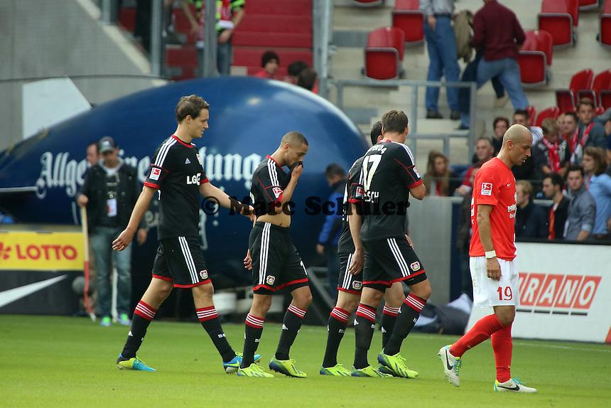 Robbie Kruse (Bayer) erzielt das 0:3 und jubelt , Mainz schleicht in die Kabine - 1. FSV Mainz 05 vs. Bayer 04 Leverkusen, Coface Arena, 6. Spieltag