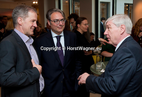 Brussels-Belgium - April 24, 2013 -- 'A Marshall Plan for Europe', a presentation / speech by Michael SOMMER (ri), President of the German Trade Union Confederation (DGB, Deutscher Gewerkschaftsbund), at the Representation of Baden-Württemberg to the EU; here, with MEP JoLEINEN (le), and Johannes JUNG (ce), Director of the Representation of B-W -- Photo: © HorstWagner.eu