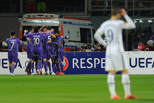 26.02.2015.  Florence, Italy. Europa League Football. Fiorentina versus Tottenham Hotspur. Fiorentina players celebrate going 1-0 up with the goal from Mario Gomez