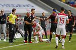Niko Gießelmann (F95) lässt sich von Mannschaftsarzt Ulf Blecker behandeln<br /><br /><br />20.06.2020, Fussball, 1. Bundesliga, Saison 2019 / 2020<br />33.Spieltag, Fortuna Duesseldorf : FC Augsburg<br /><br />Foto : NORBERT SCHMIDT/POOL/ via Meuter/nordphoto<br /><br />Nur für journalistische Zwecke ! Only for editorial use .