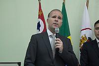 SAO PAULO, SP - 01.01.2016 - HADDAD-SP - O Juiz Ricardo Pereira Junior, Presidente do CEJUSC, durante a cerim&ocirc;nia de inaugura&ccedil;&atilde;o do Posto do Centro Judici&aacute;rio de Solu&ccedil;&atilde;o de Conflitos e Cidadania Central - CEJUSC - no bairro da Liberdade, na tarde desta sexta-feira (01) na regi&atilde;o central de S&atilde;o Paulo. Junto com esteve presente outras autoridades e o Prefeito de S&atilde;o Paulo, Fernando Haddad.<br /> <br /> (Foto: Fabricio Bomjardim / Brazil Photo Press)