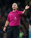 Referee Mike Dean during the premier league match at the Etihad Stadium, Manchester. Picture date 3rd December 2017. Picture credit should read: Andrew Yates/Sportimage