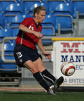 MAR 13, 2006: Faro, Portugal:  Kristine Lilly