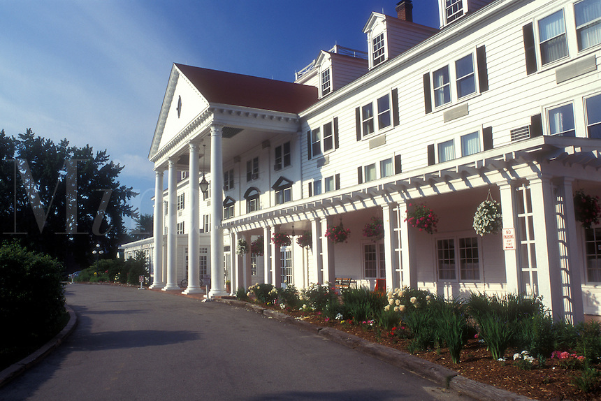 AJ1443, inn resort, hotel, New Hampshire, Eastern Slope Inn Resort in North Conway, New Hampshire.
