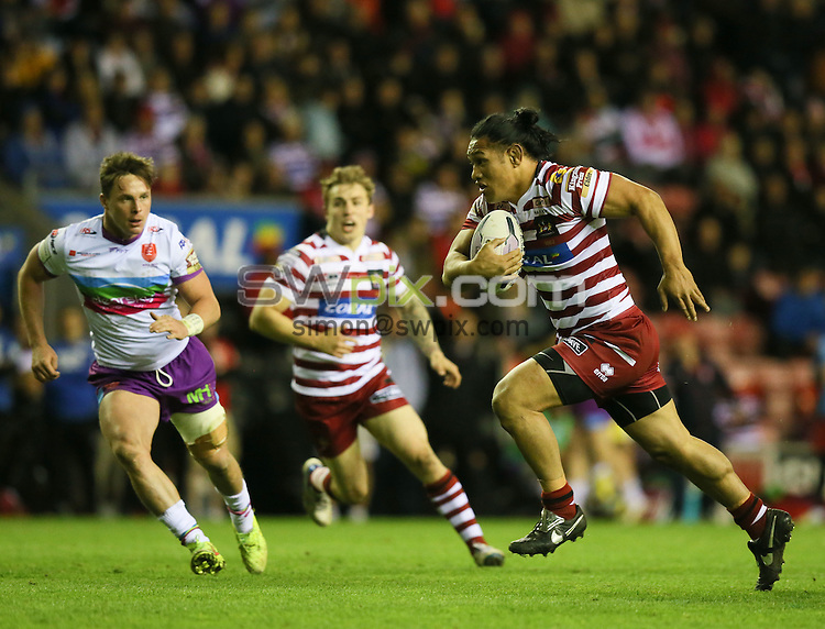 Picture by Paul Currie/SWpix.com - 01/05/2015 - Rugby League - First Utility Super League - Wigan Warriors v Hull Kingston Rovers- DW Stadium, Wigan, England - Wigan Warriors Taulima Tautai runs through to score his try