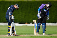 25 JUN 2009 - LOUGHBOROUGH,GBR - Loughborough UCCE (purple and black) v Cambridge UCCE (blue) - UCCE Twenty 20 (PHOTO (C) NIGEL FARROW)