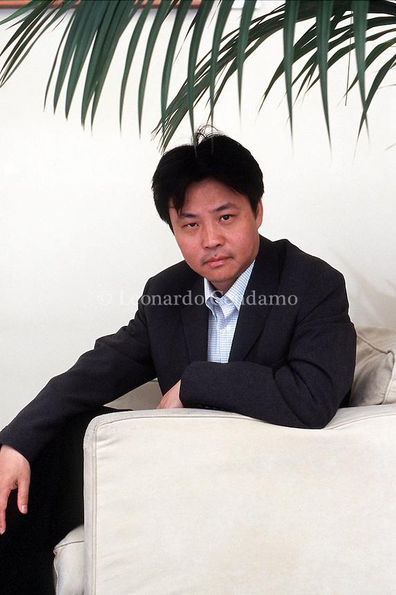 2000: YU HUA, WRITER © Leonardo Cendamo