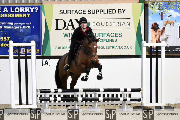 70cm training session. Blair Wallace-Stocks clinic. Brook Farm Training Centre. Stapleford Abbots. Essex. UK. 19/11/2016. ~ MANDATORY CREDIT Melody Fisher/Sport in Pictures - NO UNAUTHORISED USE - +447837 394578