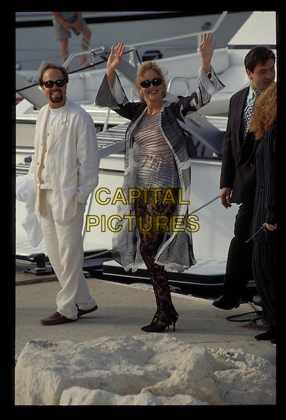 SHARON STONE.Ref: 1265.boat, waving, full length, full-length.RAW SCAN - PHOTO WILL BE ADJUSTED FOR PUBLICATION.www.capitalpictures.com.sales@capitalpictures.com.©Capital Pictures.