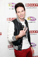 BALA CYNWYD, PA - OCTOBER 19 :  Chris Wallace visits Q 102's iHeart Radio Performance Theater in Bala Cynwyd, Pa on October 19, 2012  © Star Shooter / MediaPunch Inc /NortePhoto
