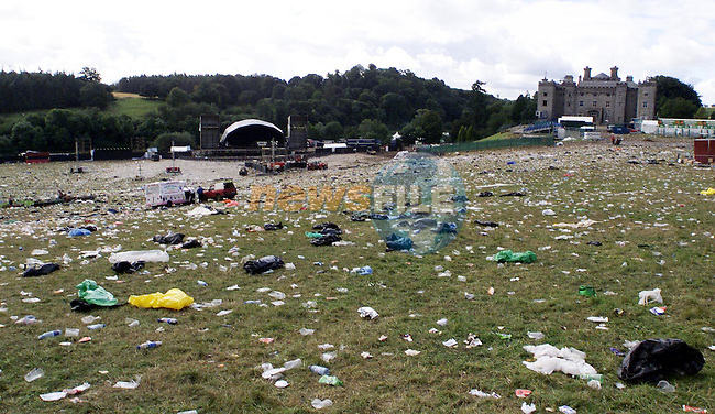 The clean up at Slane on Sunday morning..Picture: Paul Mohan Newsfile