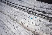 場所:アラスカ山脈(英名:Alaska Range) 氷河名称:カヒルトナ氷河(英名:Kahiltna Glacier)