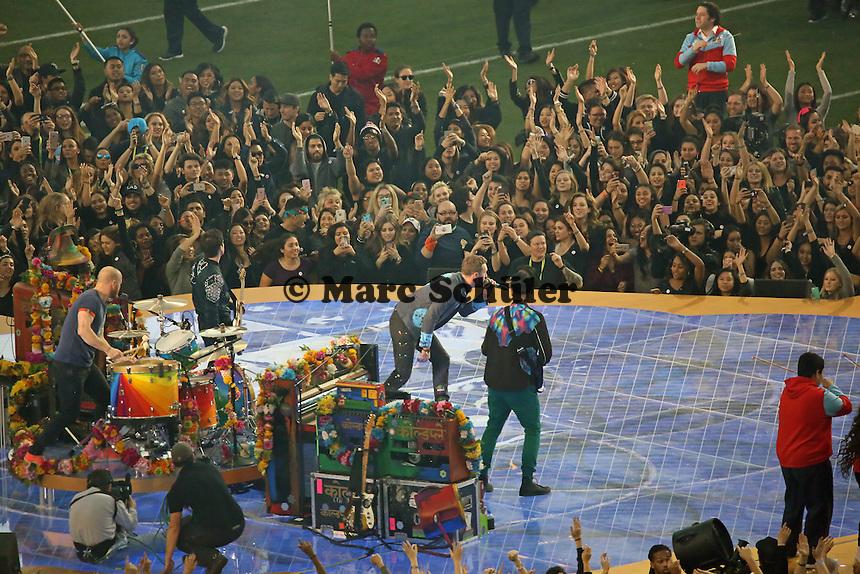 Coldplay tritt in der Halbzeitshow auf - Super Bowl 50: Carolina Panthers vs. Denver Broncos