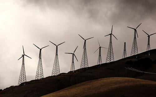 Wind turbines are numerous and always spinning at Tahachapi California
