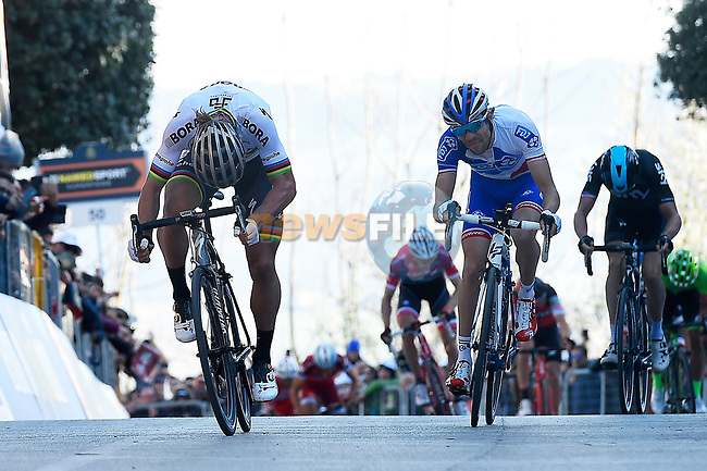 World Champion Peter Sagan (SVK) Bora-Hansgrohe powers his way to the finish line ahead of Thibaut Pinot (FRA) FDJ in Fermo during Stage 5 of the 2017 Tirreno Adriatico running 210km from Rieti to Fermo, Italy. 12th March 2017.<br /> Picture: La Presse/Fabio Ferrari  | Cyclefile<br /> <br /> <br /> All photos usage must carry mandatory copyright credit (&copy; Cyclefile | La Presse)