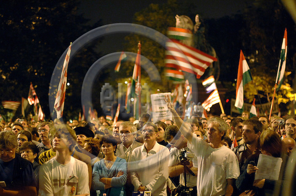 BUDAPEST - HUNGARY- 21. SEPTEMBER - Thousands of protesters at the Hungarian parliament building on Kossuth square. The protesters were calling for Prime Minister Ferenc Gyrurcsany to resign.  - PHOTO: GORM K. GAARE / EUP & IMAGES
