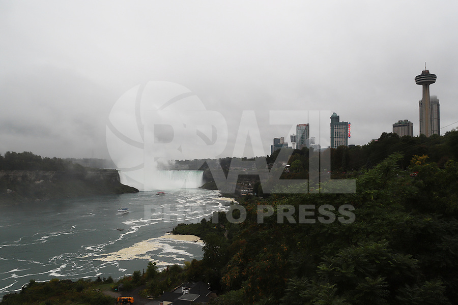 NIAGARA FALLS, CAN, 28.09.2019 - TURISMO-NIAGARA FALLS - Movimentação nas Cataratas do Niagara, em Niagara Falls, Província de Ontário, Canadá, neste sábado, 28. (Foto Charles Sholl/Brazil Photo Press)