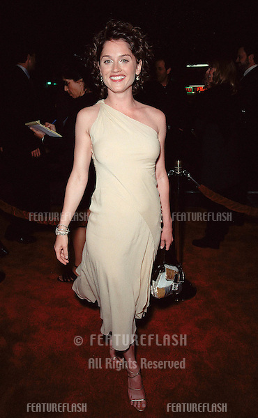 """16NOV99: Actress ROBIN TUNNEY at the world premiere of """"End of Days"""" in which she stars with Arnold Schwarzenegger. She's wearing a $750,000 diamond bracelet..© Paul Smith / Featureflash"""