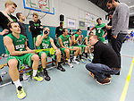 2015-10-31 / Basketbal / seizoen 2015-2016 / Oxaco - Gistel Oostende / svbo / Coach Thomas Crab van Oxaco tijdens een time-out<br /><br />Foto: Mpics.be